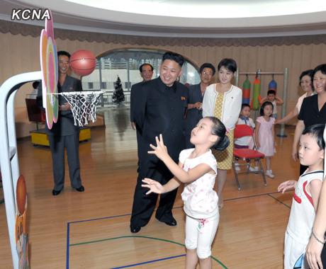 (2012-07-25) 북한 김정은 부인 리설주는 가수 출신?