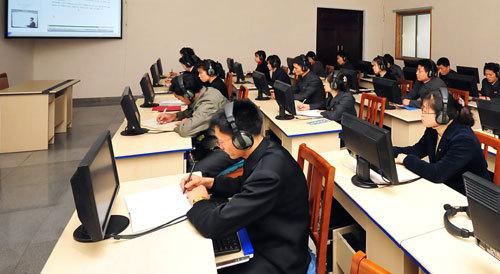 """북한 """"올해 5000명 원격교육대학 교육 받아"""""""